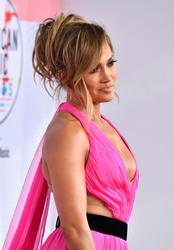 Jennifer Lopez - 2018 American Music Awards red carpet