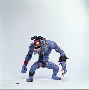 Солдатики / Small soldiers (1998) Кирстен Данст , Томми Ли Джонс (голос) 4fde77937751764