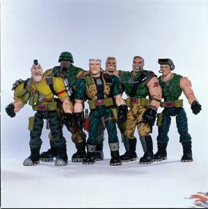 Солдатики / Small soldiers (1998) Кирстен Данст , Томми Ли Джонс (голос) 87c91a937754154
