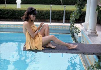 Raquel Welch: Sexy Candid/Outtake ? - HQ x 1
