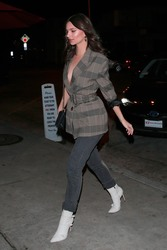 Emily Ratajkowski - Out for dinner in West Hollywood 2/27/18