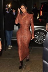 Kim Kardashian - Out for dinner in NYC 2/7/19