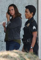 Jennifer Love Hewitt - On the set of 9-1-1 in LA 8/9/2018 a65e07942151294