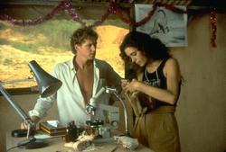 Динозавр: Тайна затерянного мира / Baby: Secret of the Lost Legend/ (1985) Шон Янг 7beaba859588064
