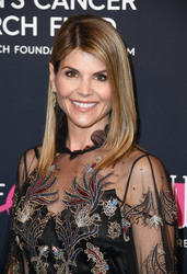 Lori Loughlin - WCRF's An Unforgettable Evening in Beverly Hills 2/27/18