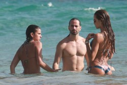 Izabel Goulart in Bikini candids on the beach in Fernando de Noronha 01/03/201856a644707994863