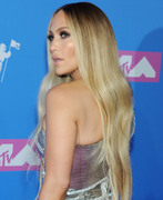 Дженнифер Лопез (Jennifer Lopez) MTV Video Music Awards, 20.08.2018 (95xHQ) 88ea00955993884