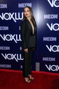 Natalie Portman - Premiere of Neon's 'Vox Lux' in Hollywood 12/5/2018 4b96321054320214