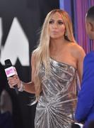 Дженнифер Лопез (Jennifer Lopez) MTV Video Music Awards, 20.08.2018 (95xHQ) 0f4055955996514