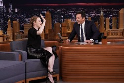Emma Stone - The Tonight Show with Jimmy Fallon 11/08/2018 3a575d1026818004
