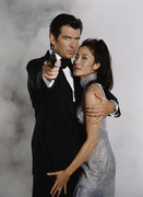 Джеймс Бонд 007: Завтра не умрёт никогда / Tomorrow Never Dies (Пирс Броснан, 1997) D0dd94939695464