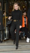 Miley Cyrus - Leaving her hotel in London 12/5/18