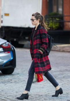 Jessica Biel out in Tribeca, November 6, 2017