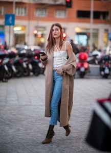 Grace Elizabeth - Out in Milan 2/20/19