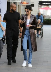 Kendall Jenner - Shopping in Woodland Hills 3/19/19