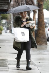 Hilary Duff - Out for lunch in Studio City 2/3/19