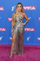 Jennifer Lopez - 2018 MTV VMA's in NYC 8/20/18