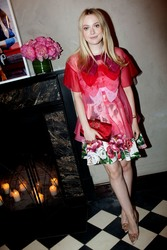 "Dakota Fanning - Roger Vivier ""#LoveVivier"" Book Launch in NYC 5/31/18"