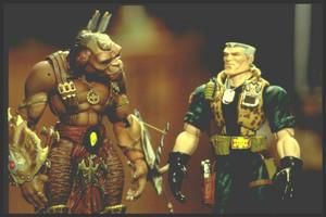 Солдатики / Small soldiers (1998) Кирстен Данст , Томми Ли Джонс (голос) A0d583937752424