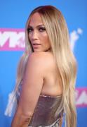 Дженнифер Лопез (Jennifer Lopez) MTV Video Music Awards, 20.08.2018 (95xHQ) 2ba08a955995014