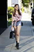 Madison Beer Out Shopping in Beverly Hills 06/18/2018480384899254944