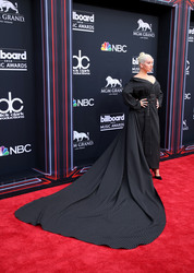 Christina Aguilera - 2018 Billboard Music Awards 5/20/18