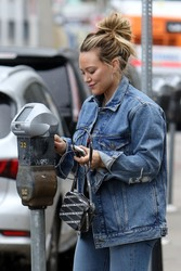 Hilary Duff - Out for lunch in LA 3/20/19