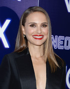Natalie Portman - Premiere of Neon's 'Vox Lux' in Hollywood 12/5/2018 db95061054321064