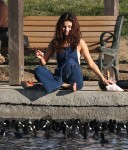 Selena Gomez at Lake Balboa park in Encino 02/02/2018fc1be2737641003
