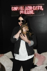 Michelle Trachtenberg - Crumbs & Whiskers Kitten Party A Cat Cafe Experience in LA 8/24/18