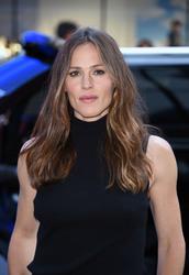 Jennifer Garner Visits 'Good Morning America' in New York City 07/16/201849b630921666684