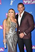 Дженнифер Лопез (Jennifer Lopez) MTV Video Music Awards, 20.08.2018 (95xHQ) 645d64955995964