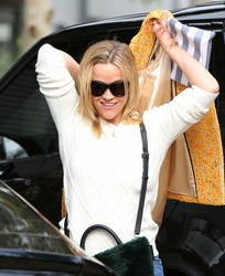 Reese Witherspoon - Out in Santa Monica 1/12/19