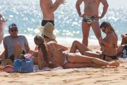 Izabel Goulart in Bikini candids on the beach in Fernando de Noronha 01/03/2018485ce0707994803