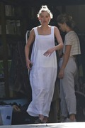 Amber Heard - Cleaning her garage in LA 7/30/2018 d7eacc932678174
