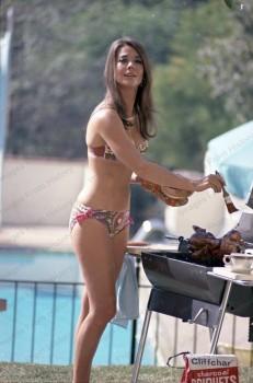 Natalie Wood: Grilling In A Bikini: MQ x 2