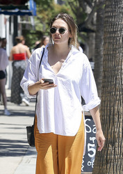 Elizabeth Olsen - Shopping in LA 7/23/18
