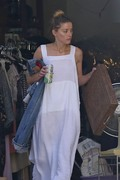 Amber Heard - Cleaning her garage in LA 7/30/2018 1e33a8932677854
