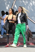 Corinne Olympios shows her excitement after a getting a treatment at the Kate Somerville Spa 25.03.2019 x22 3e34e91174822604