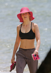 Emily Blunt - Bikini candids at the beach in Hawaii 6/1/18