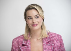 Margot Robbie - 'Mary Queen of Scots' Press Conference in LA 11/16/18