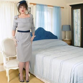 Она любит носить редкие старинные вещи и нижнее белье! / Kate Anne - Blue bedside benaviour! (2018) HD 1080p