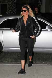 Khloe Kardashian - Out for dinner in LA 11/12/18