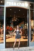 Alessandra Ambrosio - Rosa Cha store opening in LA 11/2/2018 6a74291023802964