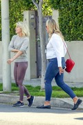 Julianne Hough seen leaving a business meeting where she exits in a different outfit 25.03.2019 x31 1ca6991174823914