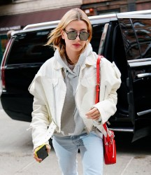 Hailey Baldwin - Out in NYC 1/27/18