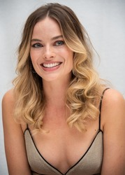 "Margot Robbie - ""Once Upon A Time In Hollywood"" Press Conference, LA 07/12/2019"