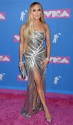 Дженнифер Лопез (Jennifer Lopez) MTV Video Music Awards, 20.08.2018 (95xHQ) A6a7b3955993764