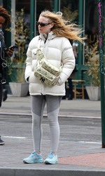 Dakota Fanning - Shopping in NYC 3/22/19