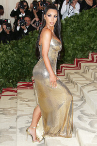 Kim Kardashian 2 vs. Joanna Krupa 5 (Mundial 7 grupo F jornada 2 partido 2). (FINALIZADO). 5c354b996119734